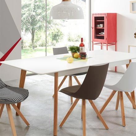 Capayaron-Extendable-Dining-Table